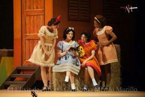 Elisir D'Amore Botero Atto primo Adina Giannetta - Teatro La Maestranza Siviglia
